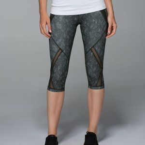 Lululemon Cool To Street Crop